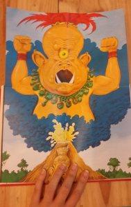 Ilustração do Deus Vulcão em tamanho grande, presente em um das cenas do livro. Foto: Bárbara Valdez